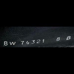 Stuart Weitzman Shoes - Stuart Weitzman sz 8 Black Textile & Patent Pump